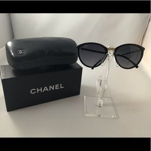 Authentic New CHANEL Black Polarized Sunglass